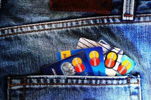 5 Factors to Consider While Choosing Your Credit Card